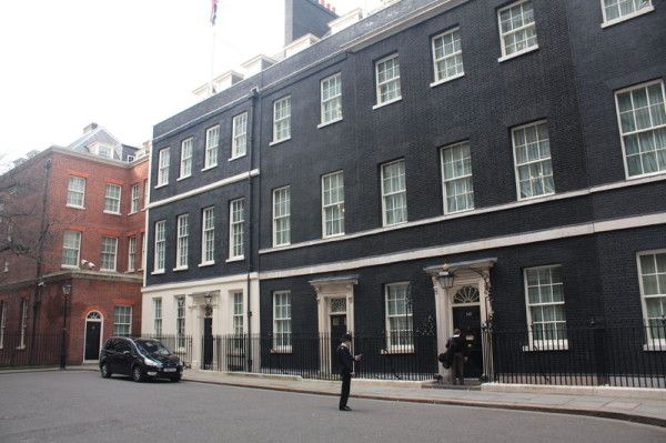 800px-10_Downing_Street_2010