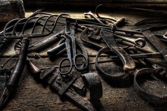 arbyreed - Old Tools, https://flic.kr/p/hQQFyG