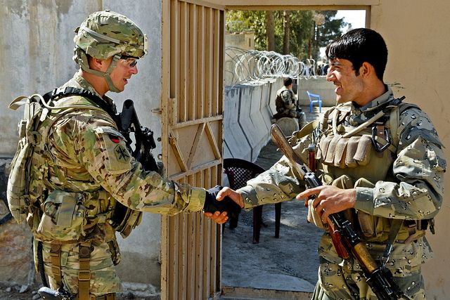 The U.S. Army - Exchanging greetings, https://flic.kr/p/dWYGWG