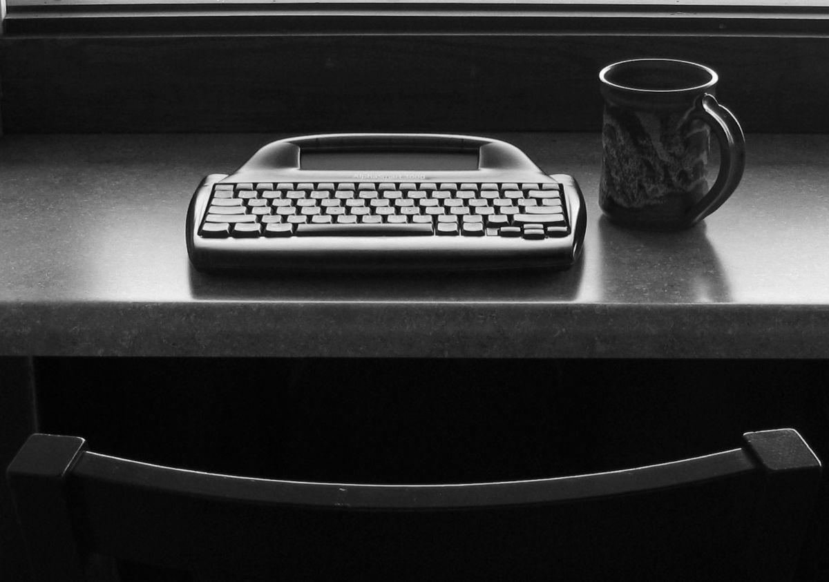 readerwalker - Tough primitive little writing machine