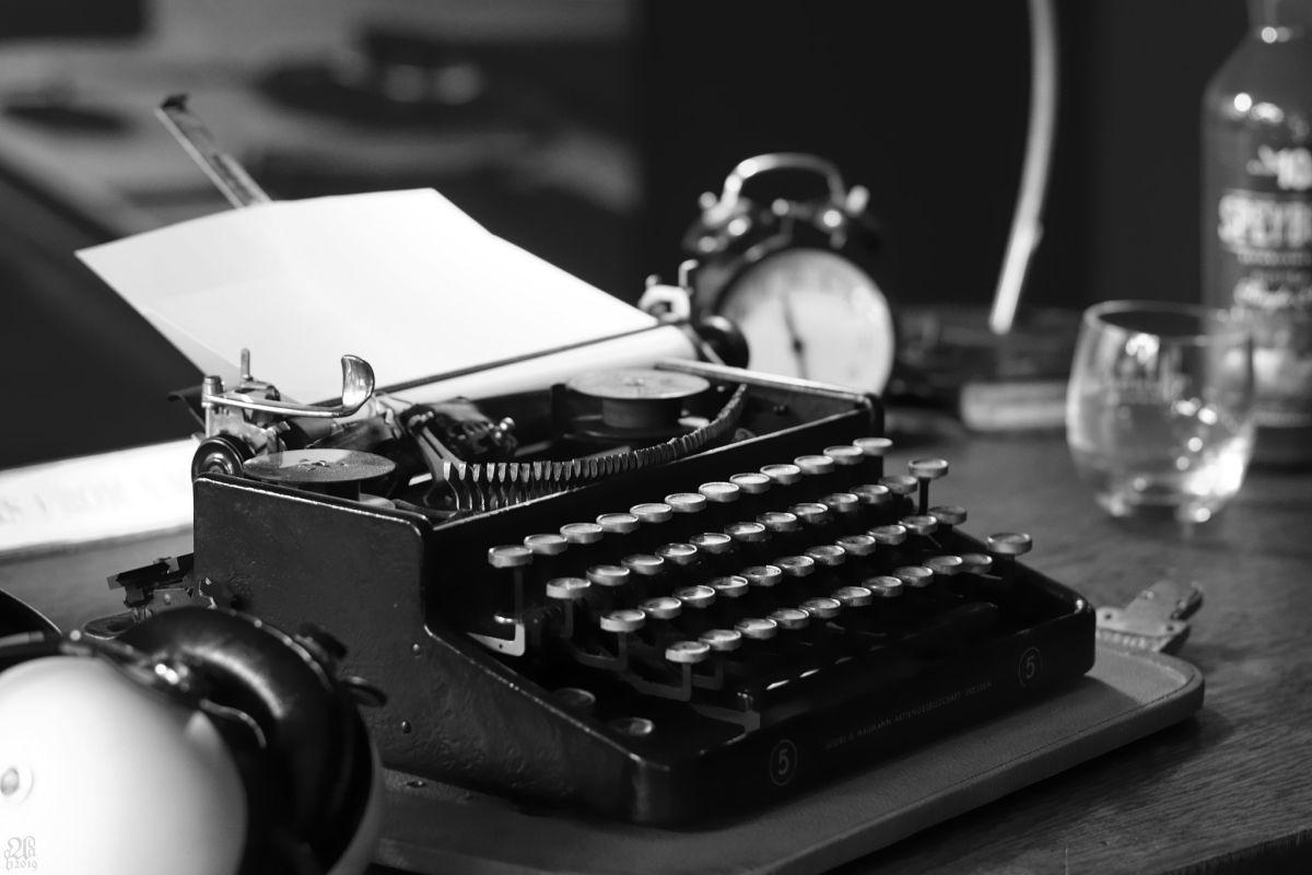 Björn - Typewriter
